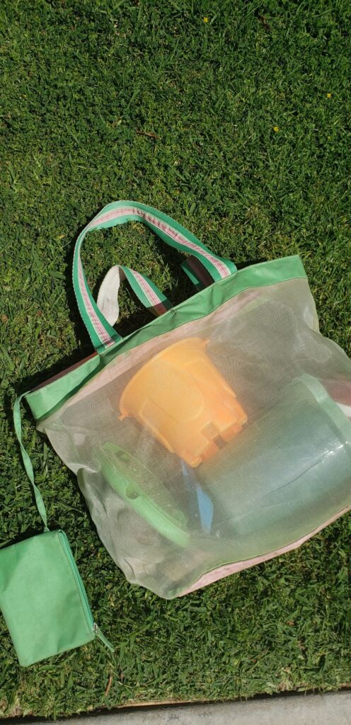 store sand toys in a mesh bag